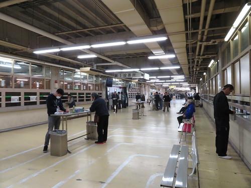 佐賀競馬場のスタンド1階メインコンコース