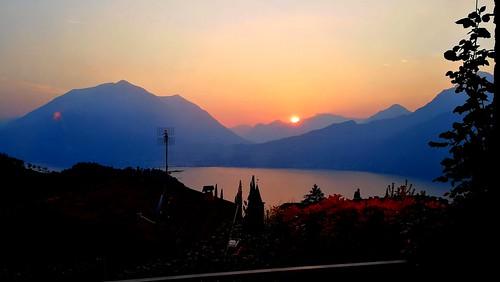 Tramonto sul lago di Lecco