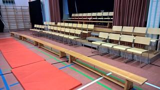 Tällä kertaa oli hyvä, noin 110 hengen sali liikuntahallissa. Kiitos, Kajaani! Kiitos, Max ja Moritz! #hailuoto