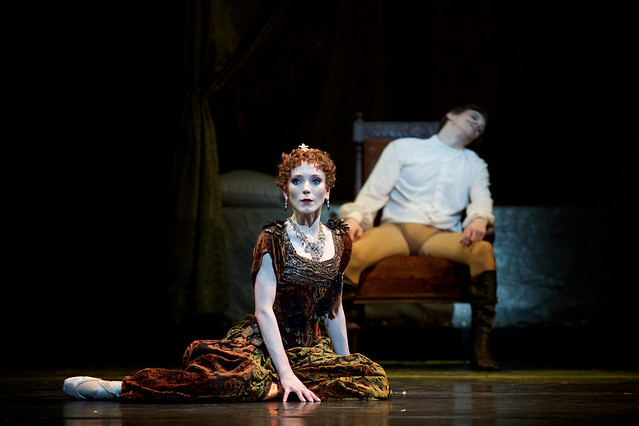 Sarah Lamb as Marie Larisch and Edward Watson as Crown Prince Rudolf in Mayerling (C) ROH, 2017.