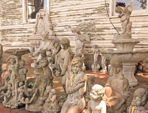 sams farm statues