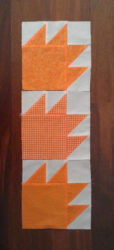 QUILT BLOCKS - Bear Paws in orange