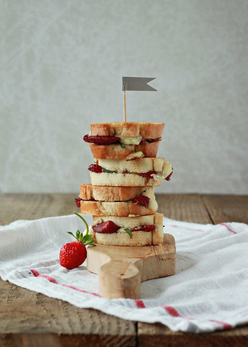Balsamic-Strawberry-and-Brie-Grilled-Cheese-Sliders