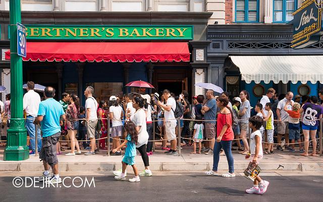 Universal Studios Singapore - Sesame Street Spaghetti Space Chase queue