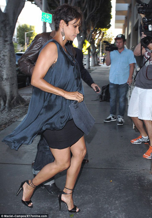 Halle-Berry-Fashion-and-style