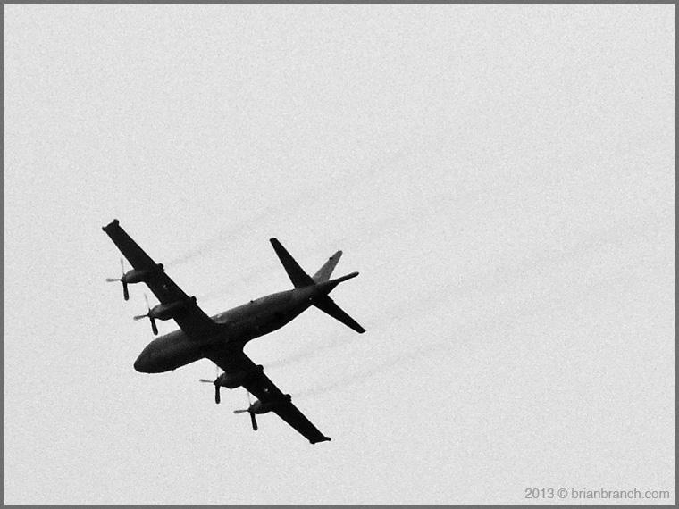 DSCN3333_military_plane