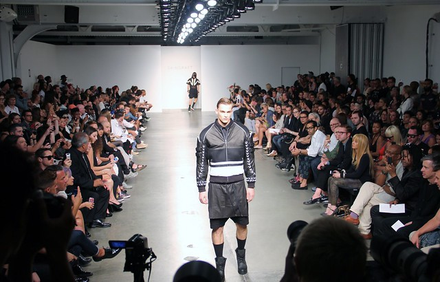 Fashion Show Runway Audience SKINGRAFT Mens and Wom...