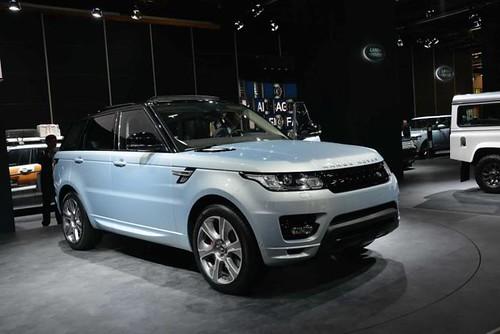 Land Rover привез на Франкфуртский автосалон гибрид Range Rover Sport