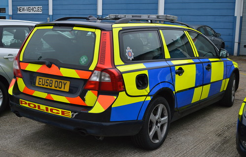 Essex Police | Volvo V70 | Roads Policing Unit | T33 | EU58 OOY