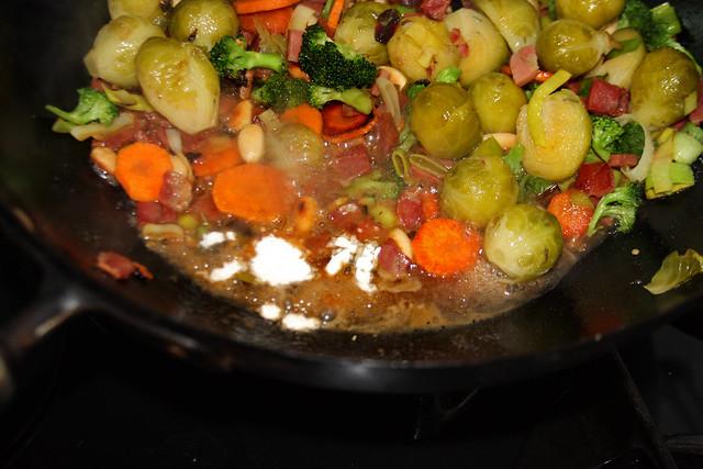 Salteado de Vegetales, jamón y Almendras (22)
