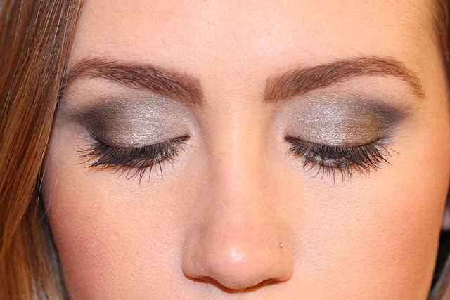 Living After Midnite: Makeup Monday: Studio Gear Cosmetics Holiday Smokey Eye