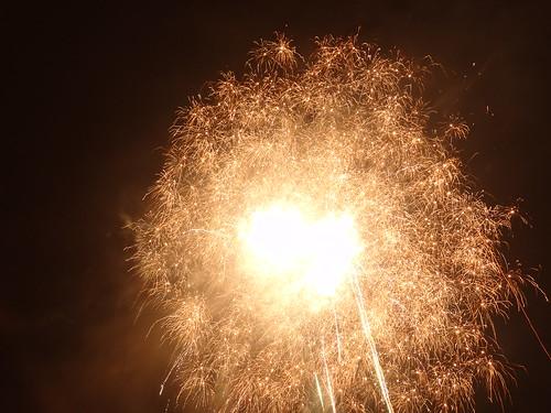 Im Fegfeuer nützt dein Feuerwerk und heizt gratis jahraus, jahrei 1114