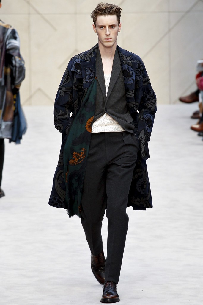 FW14 London Burberry Prorsum029_Alek Stoodley(VOGUE)