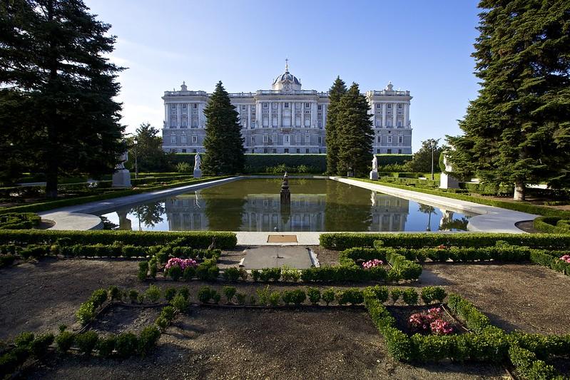 Jardines de Sabatini & Palacio Real de Madrid