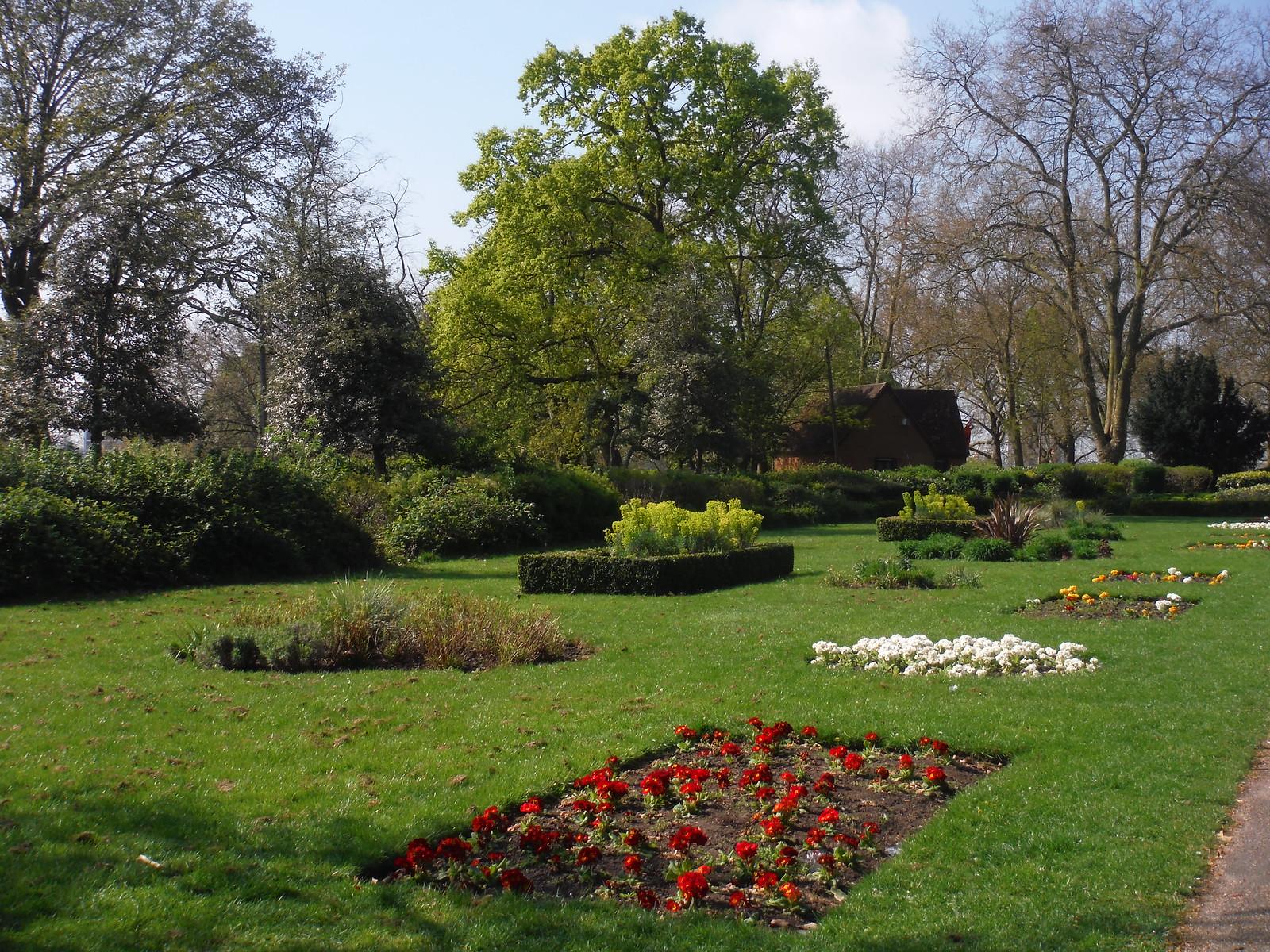 McKenzie Flower Garden, Finsbury Park SWC Short Walk 26 - Woodberry Wetlands (Stoke Newington Reservoirs)