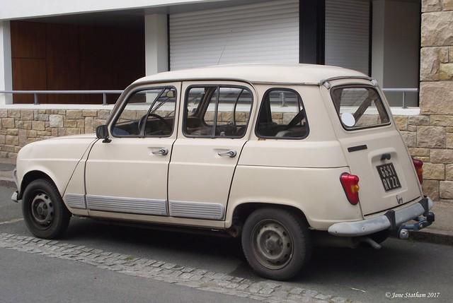 A Renault 4. [Explored 20.4.17]., Fujifilm FinePix S1600