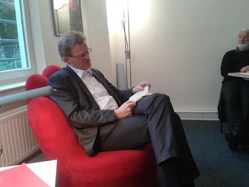 Der rote Sessel im Mai 2013
