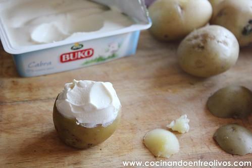 Patatitas rellenas de queso de cabra www.cocinandoentreolivos (4)