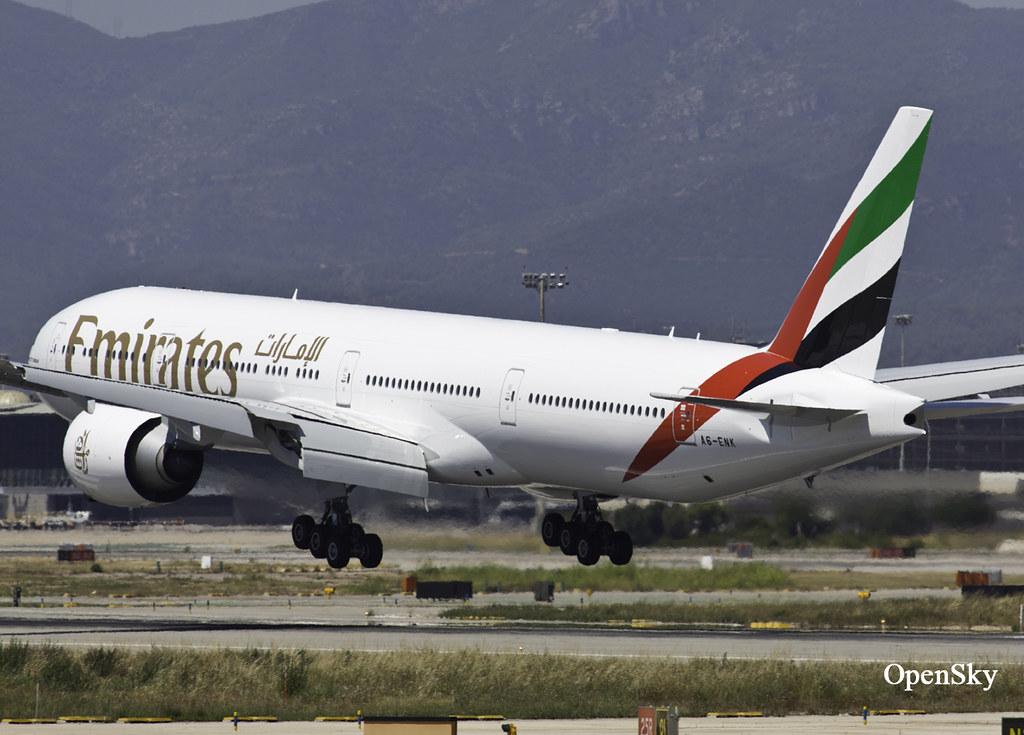 Emirates Boeing 777-31H(ER) A6-ENK