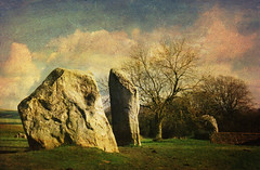 Avebury: The Cove