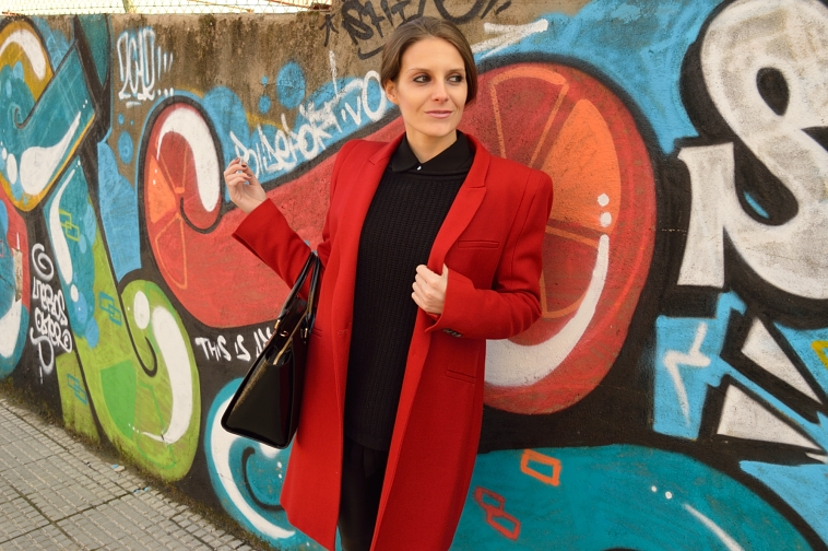 lara-vazquez-madlula-style-red-coat-black-outfit-winter
