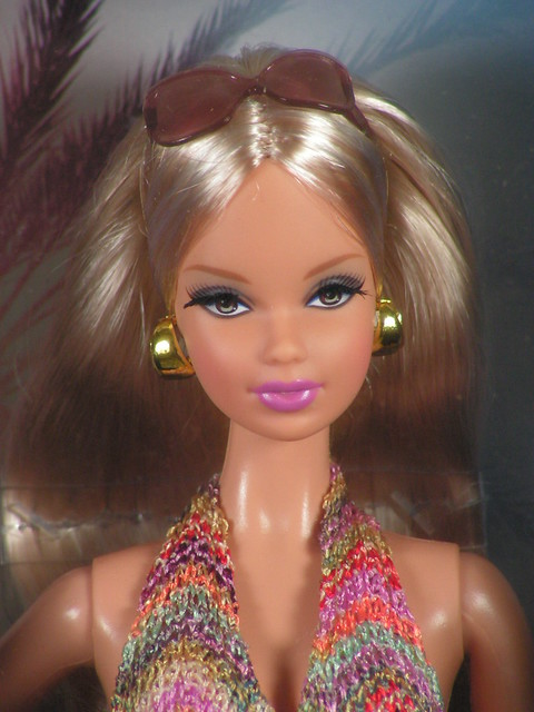 2012 The Barbie Look City Shopper Steffie (2)