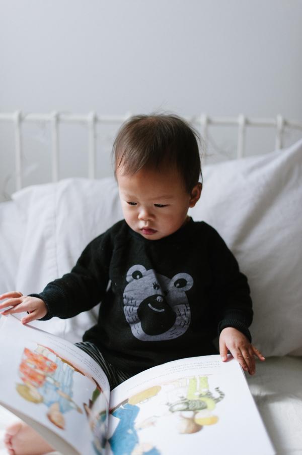 Eloise, reading