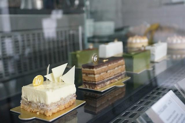 Les Deux Garcons, Taman Desa - go for great French croissants & cakes-004