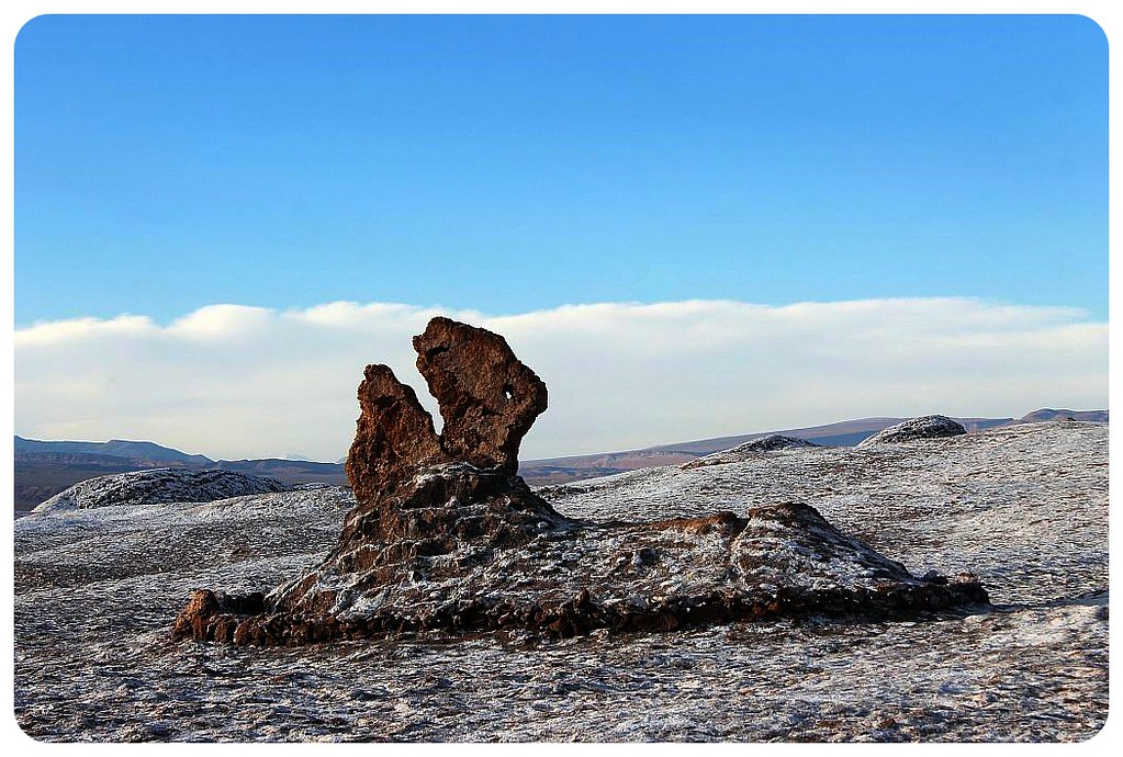valle de la luna atacama desert saltine formation