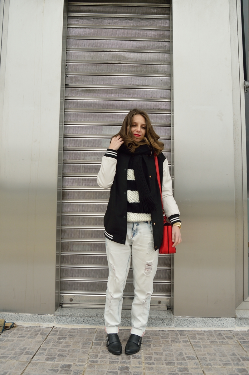 lara-vazquez-madlula-blog-fashion-boyfriend-jeans-bomber-jacket-red-bag-dandy-look