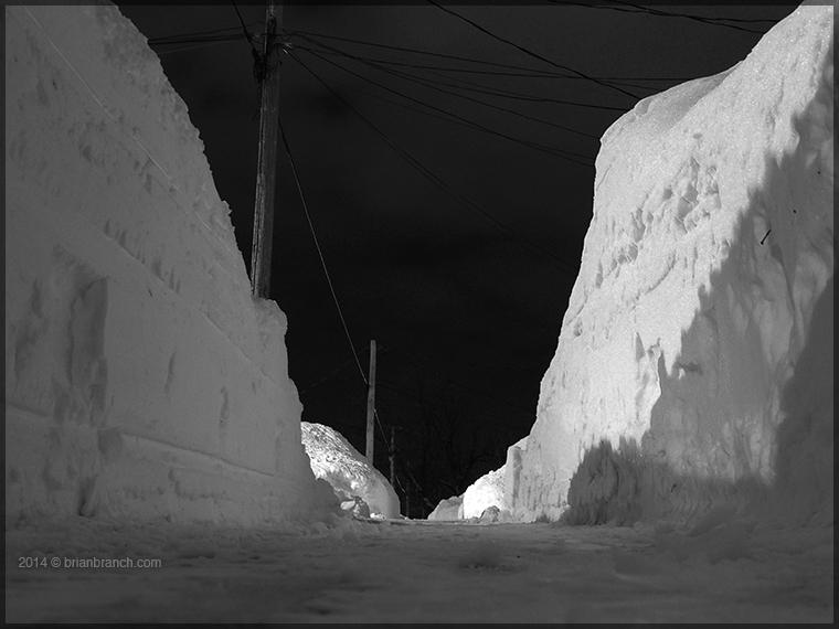 DSCN6320_snow_sidewalk