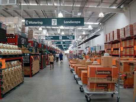 New Gympie Bunnings store is being filled with more than 45,000 different retail lines