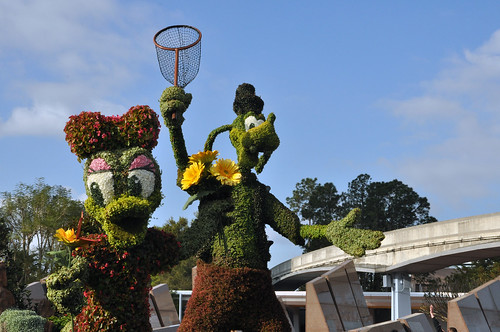Daisy and Goofy at Flower and Garden