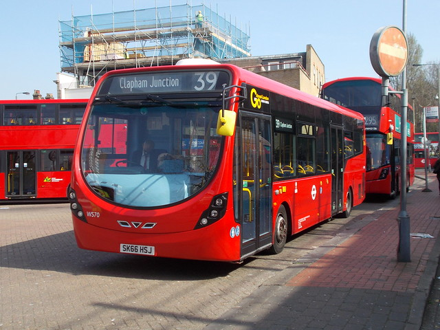 London General WS 70 at Clapham Junction