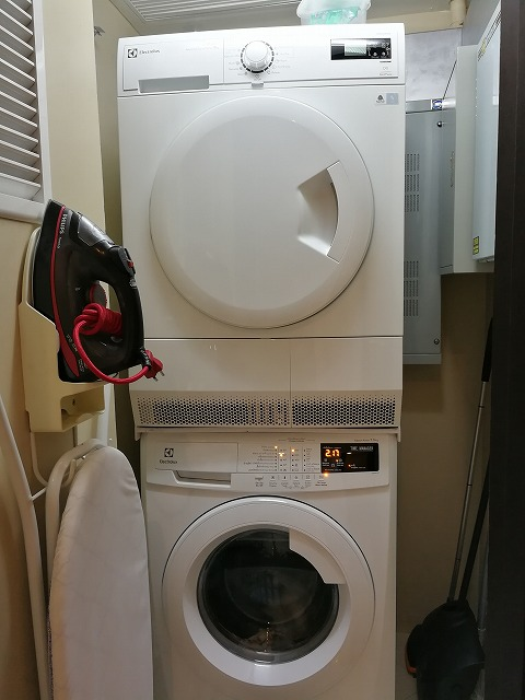 <p>洗濯機と乾燥機<br /> 新しくなって使いやすい</p>