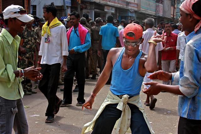 Sital_Sasthi_Gangnam_Style_Dancer_Audience