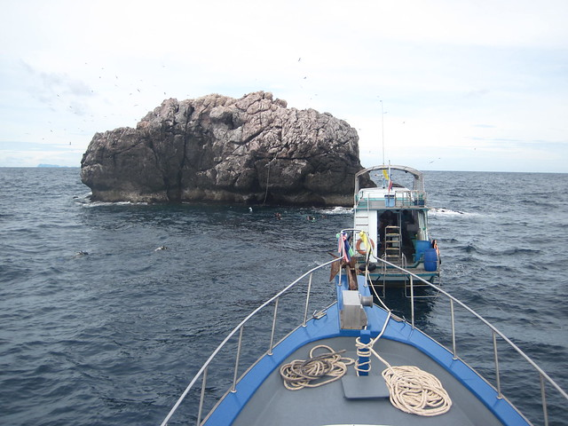 Sail Rock diving spot
