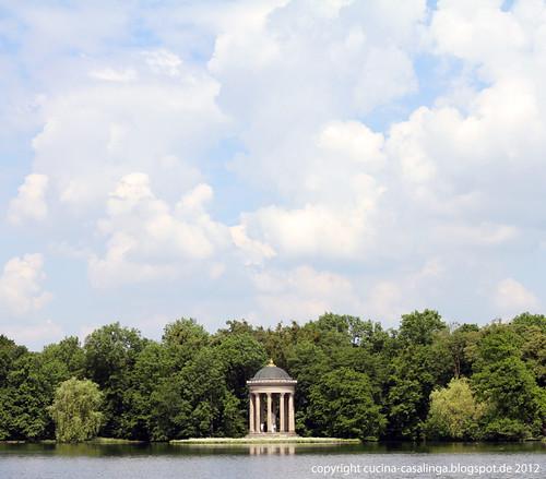 Badenburg Blick Apollotempel