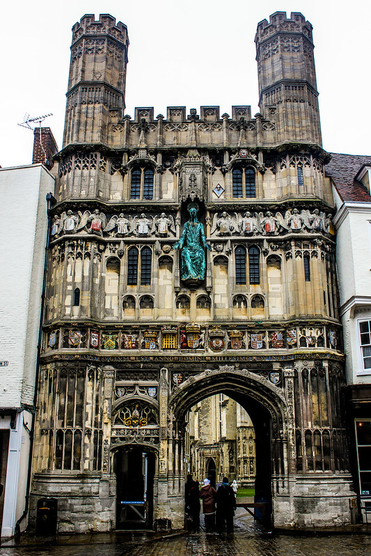 Puerta de la Iglesia de Cristo en Canterbury, Reino Unido