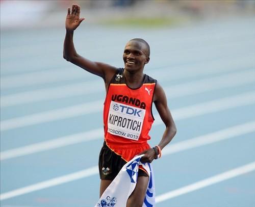 Kiprotich de Uganda gana el maratón en el Mundial de Atletismo Moscú 2013