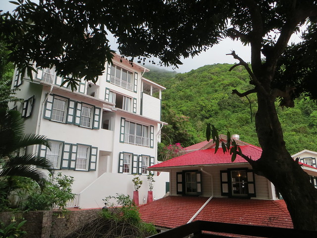 Queen's Gardens Resort in Saba
