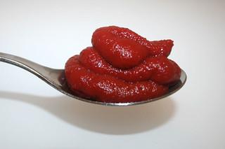 02 - Zutat Tomatenmark / Ingredient tomato puree