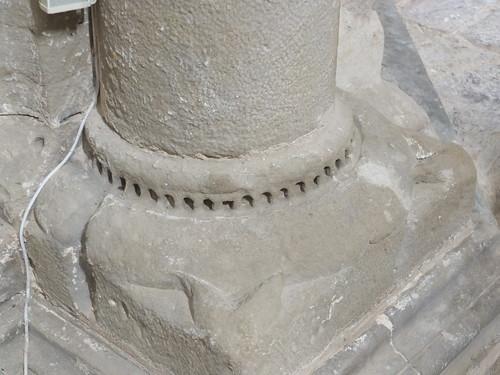 Iglesia de San Miguel de Foces - Detalle de basa de columna
