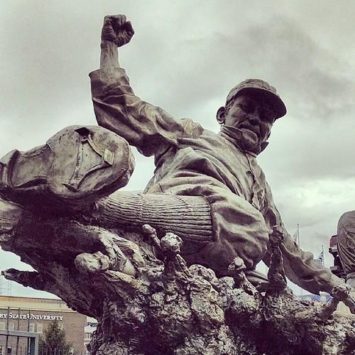 Try Cobb statue #alds