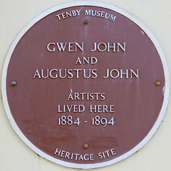 Photo of Augustus John and Gwen John brown plaque