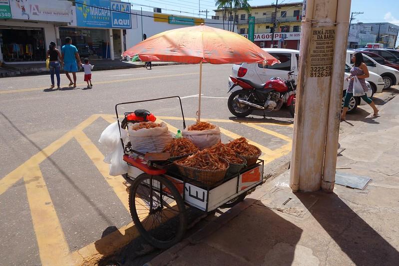 Fotografia de vendedores de camarão em Macapá, Amapá Brasil