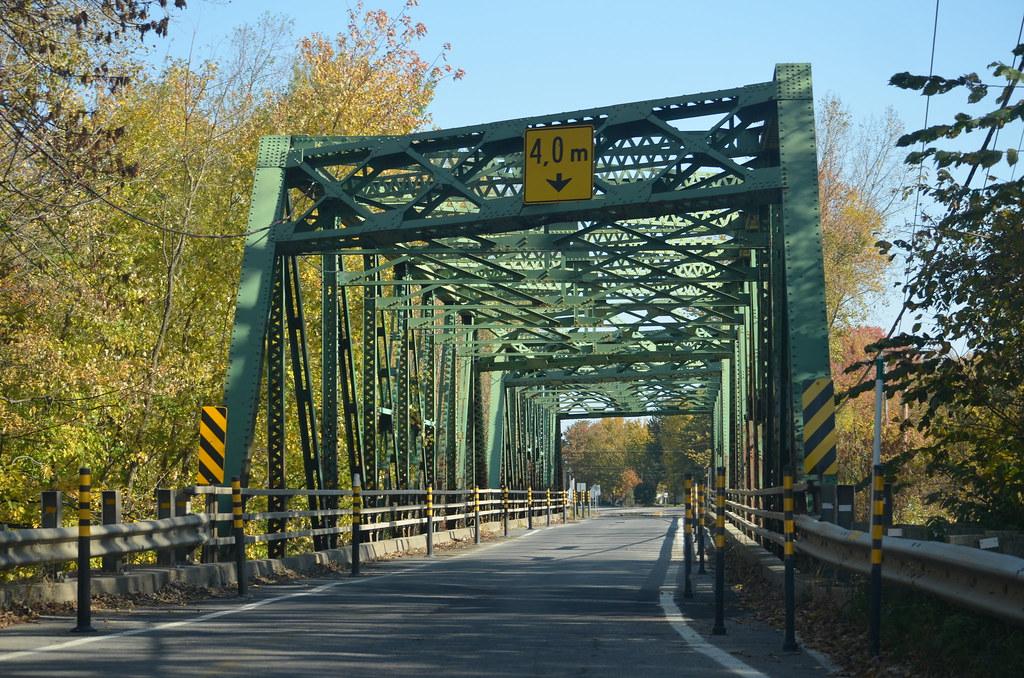 A bridge along the Chemin du Roy