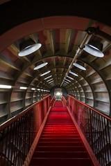 Atomium tube connection