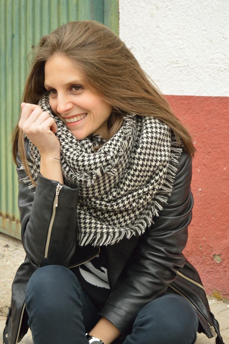 lara-vazquez-madlula-stretstyle-perfecto-jacket-fashion-blog