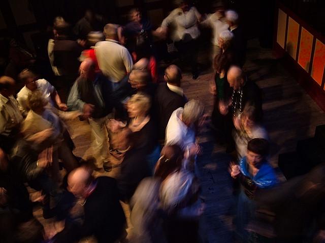 Faroese chain dance, Fujifilm FinePix A330